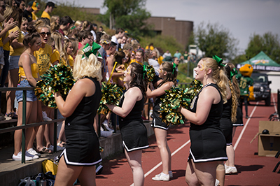 cheerleaders at BHSU
